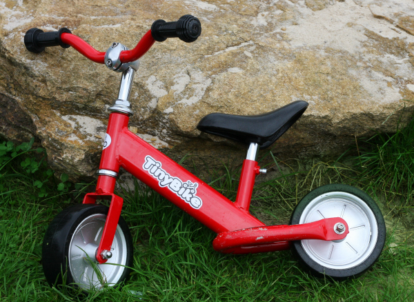 balance bike review balance bike for toddlers and preschoolers tiny bike review
