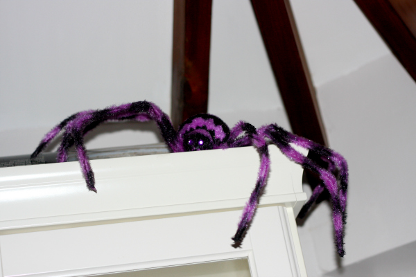 scary halloween spider decoration