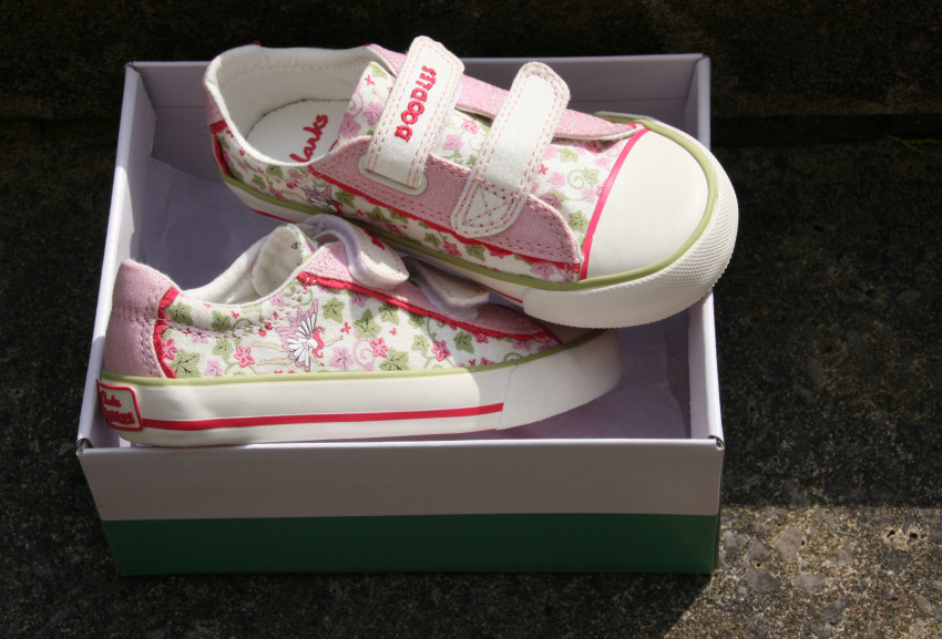 canvas shoes for girls from clarks