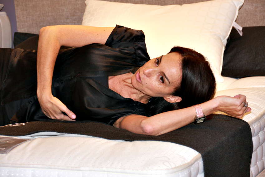 Sleep expert Sammy Margo shows how to find the perfect mattress