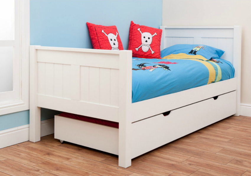win a white stompa single bed for kids mummy alarm. Black Bedroom Furniture Sets. Home Design Ideas