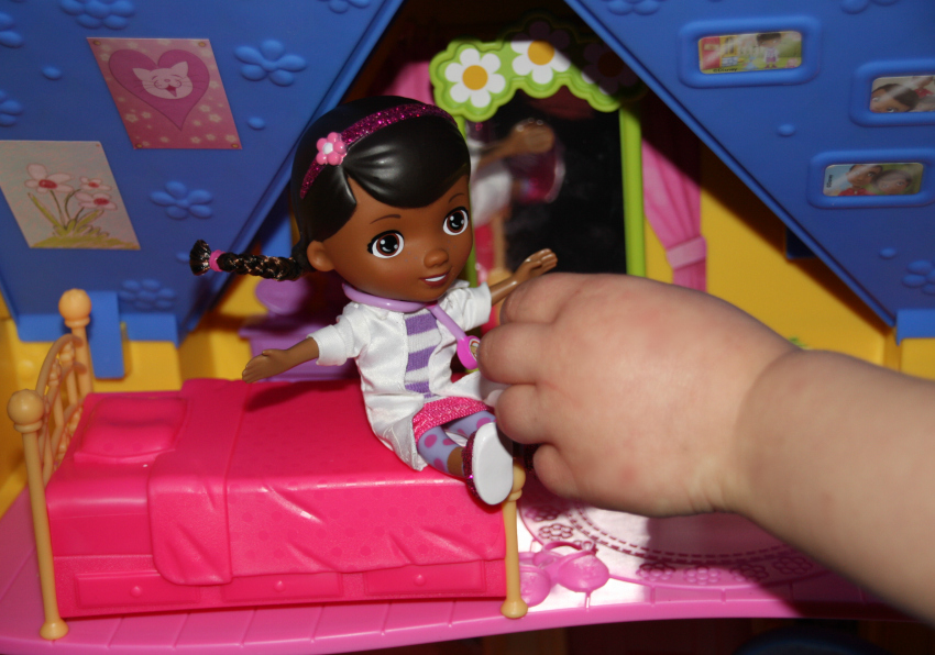 doc mcstuffins clinic doc is in clinic doc mcstuffins disney