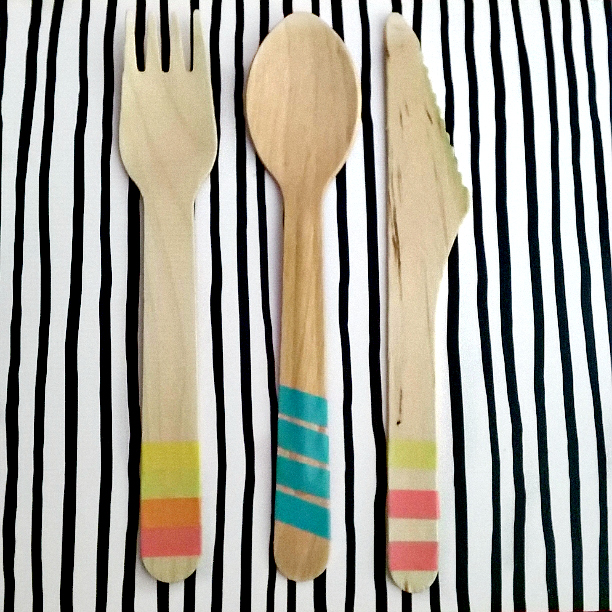 spruce up wooden cutlery with washi tape, washi tape ideas, washi tape crafts