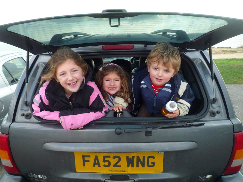 road trip tips, road trip with kids, road trip with children, how to keep kids entertained in the car