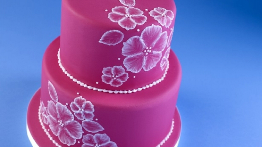 bake your own wedding cake, wedding cake with ready to roll icing, roll out icing