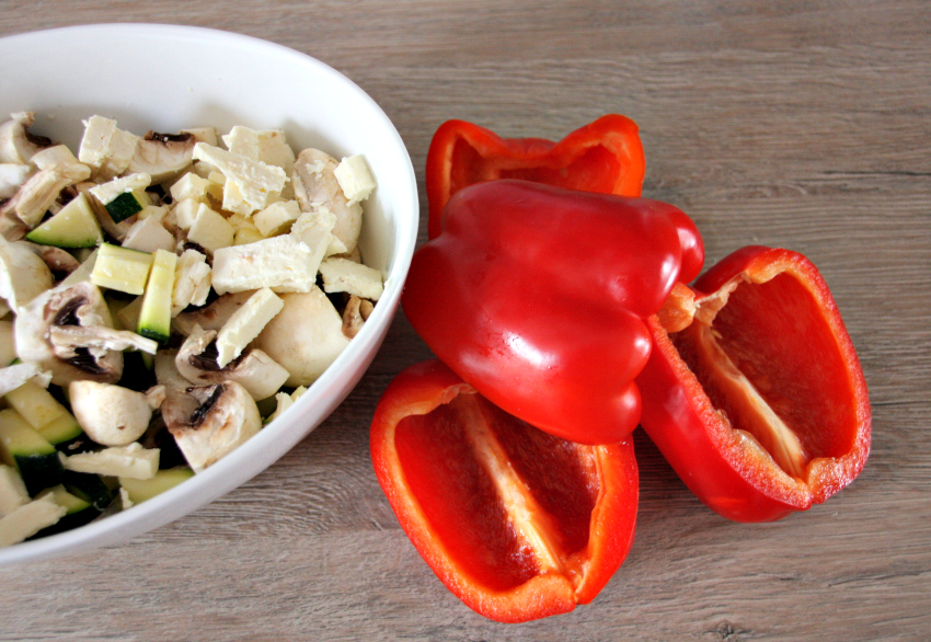 almased recipe - vegetarian stuffed peppers with mushroom, feta and zucchini