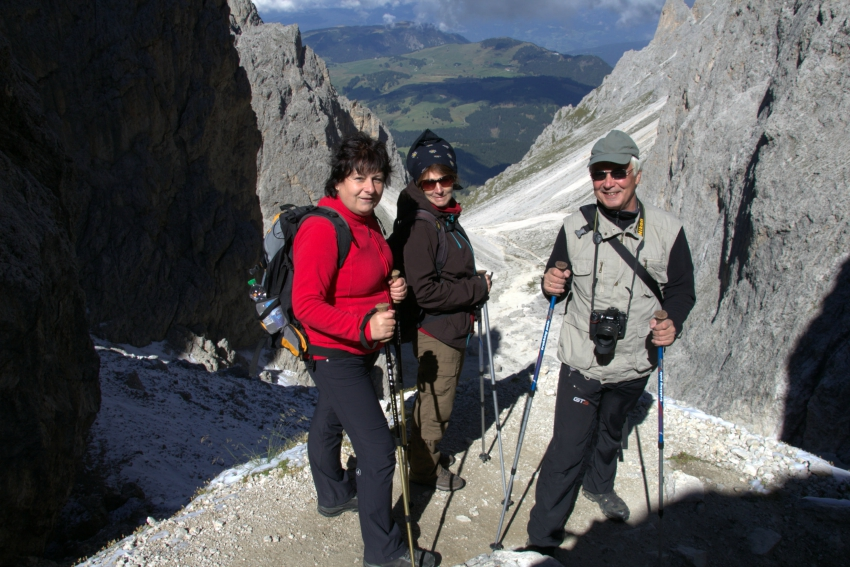 Langkofelscharte, Mount Sassolungo coombe, hiking in South Tyrol