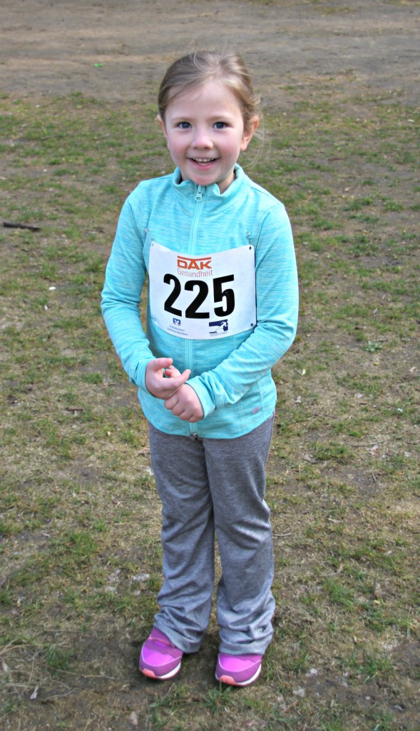 Amy's 800m race, running kids,