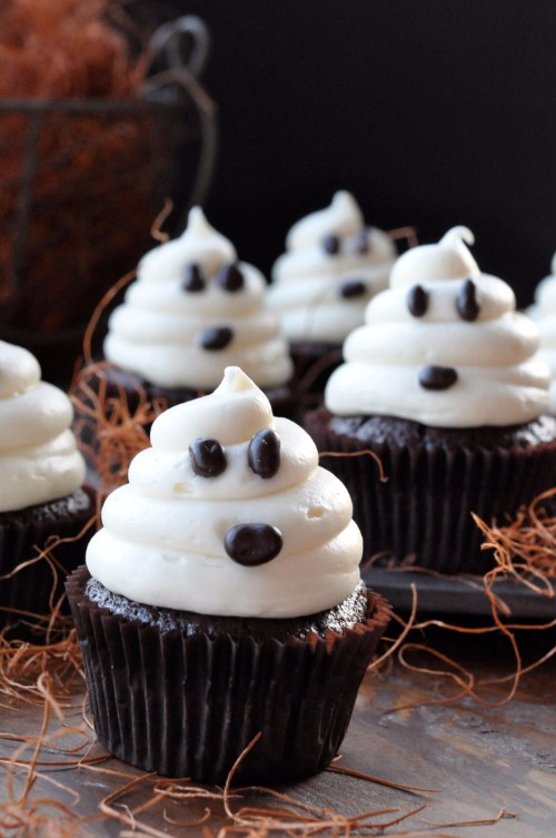 halloween-cupcakes-ghost-cupcakes