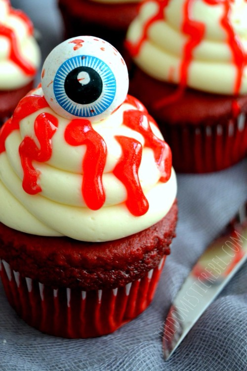 halloween-cupcakes-eyeball-cupcakes