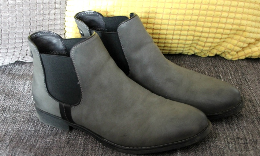 chelsea boots little loves