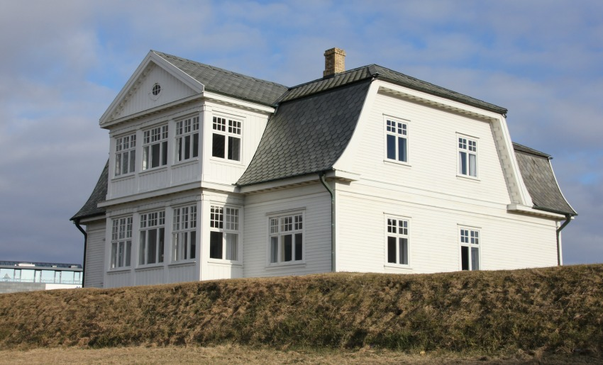 accommodation in iceland hostels, hotels, holiday homes