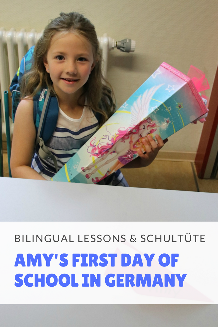 I'm telling you everything about Amy's first day of school here in Germany, her first day of school ceremony, her first week at school and the German Schultüte tradition. (1)