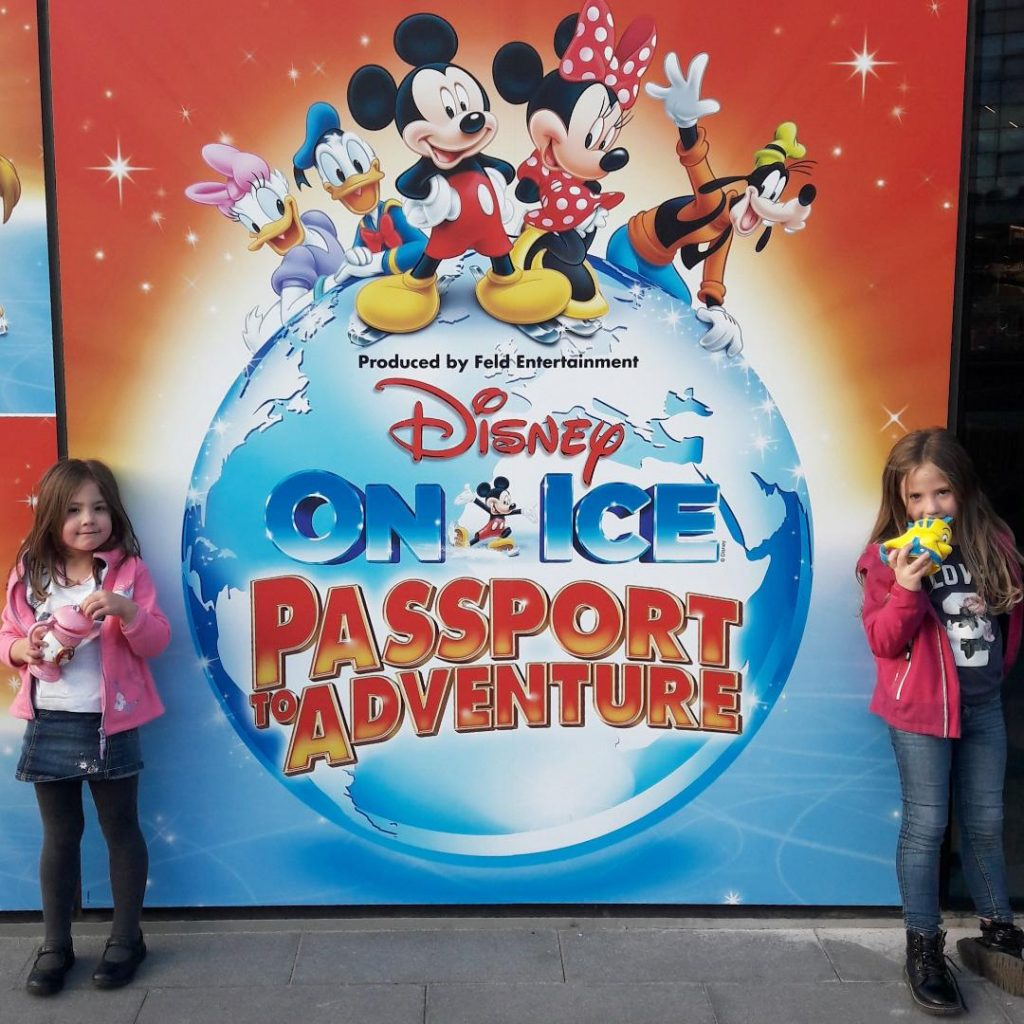 Disney on Ice Passport to Adventure 2